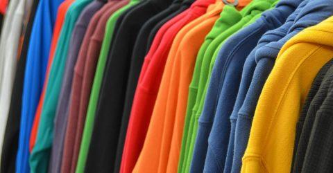 Illustration de la bourse aux vêtements hiver